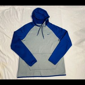 Nike womens therm-fit hoodie size medium